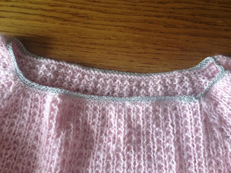 13424a11 Oppskrift rosa genser i «juksepatent» - Strikkehege